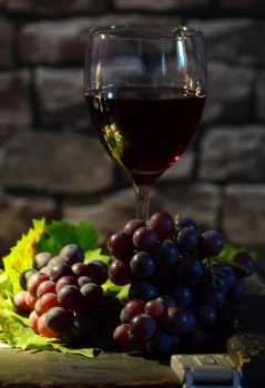 wine-glass-951223_1920